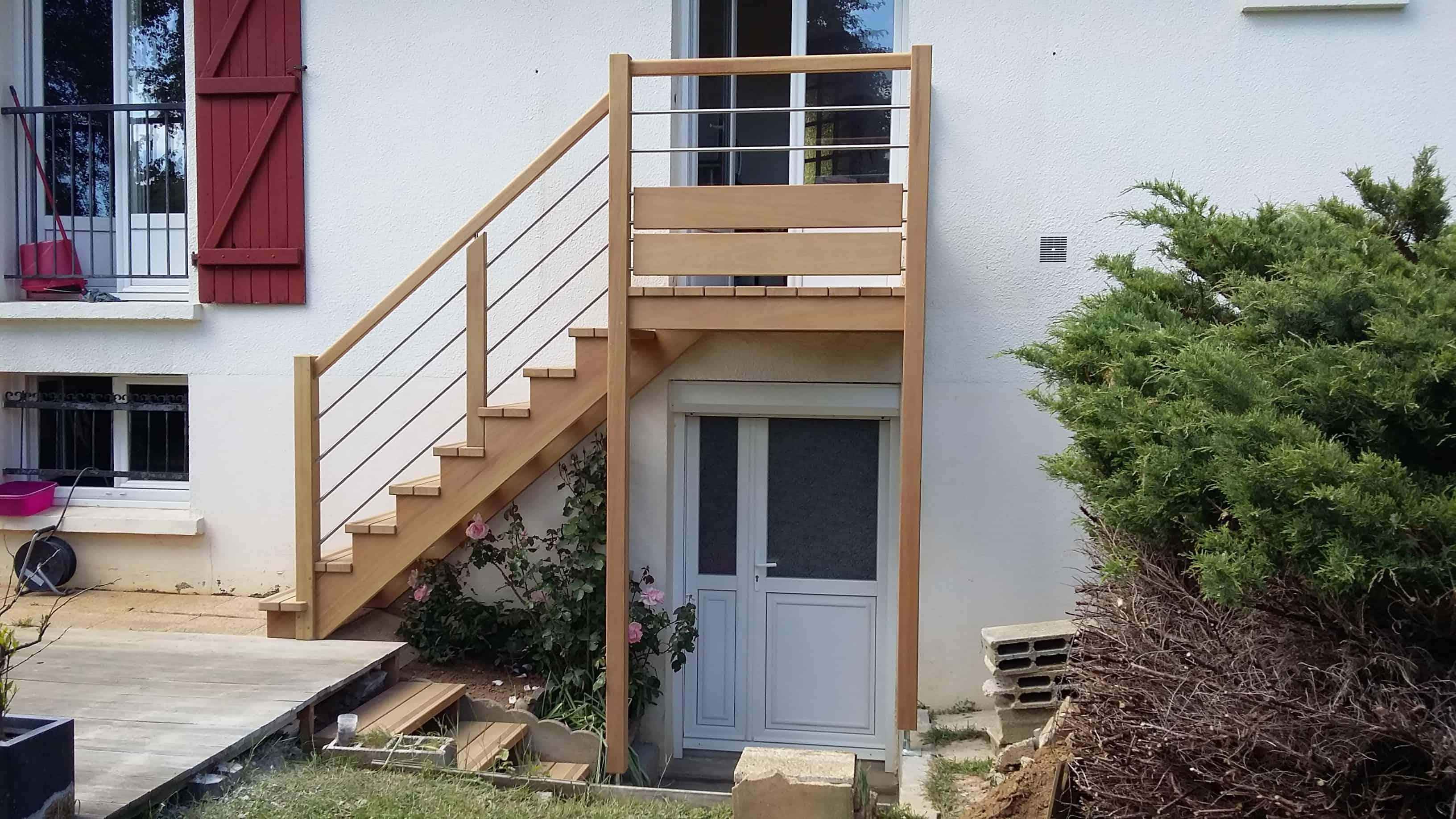 terrasse bois intérieur autour d un spa terrasse en bois